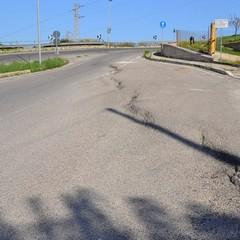 Strada dissestata di Aia del Cavallo