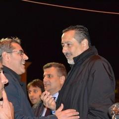 L'uscita di Pittella dopo il comizio