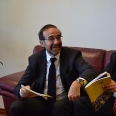 Riccardo Nencini nella stanza del sindaco di Matera
