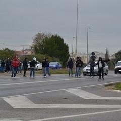 La protesta, Matera nord bloccata la strada