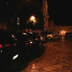 I parcheggi notturni in piazza San Francesco