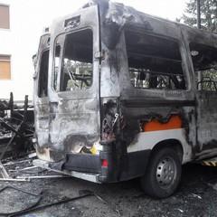 Incendio nella notte a Matera, si teme la pista dolosa