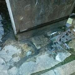 Rotta la fontana di via Gattini, disagio per i cittadini