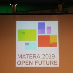 """""""Open Future"""", il titolo del dossier"""