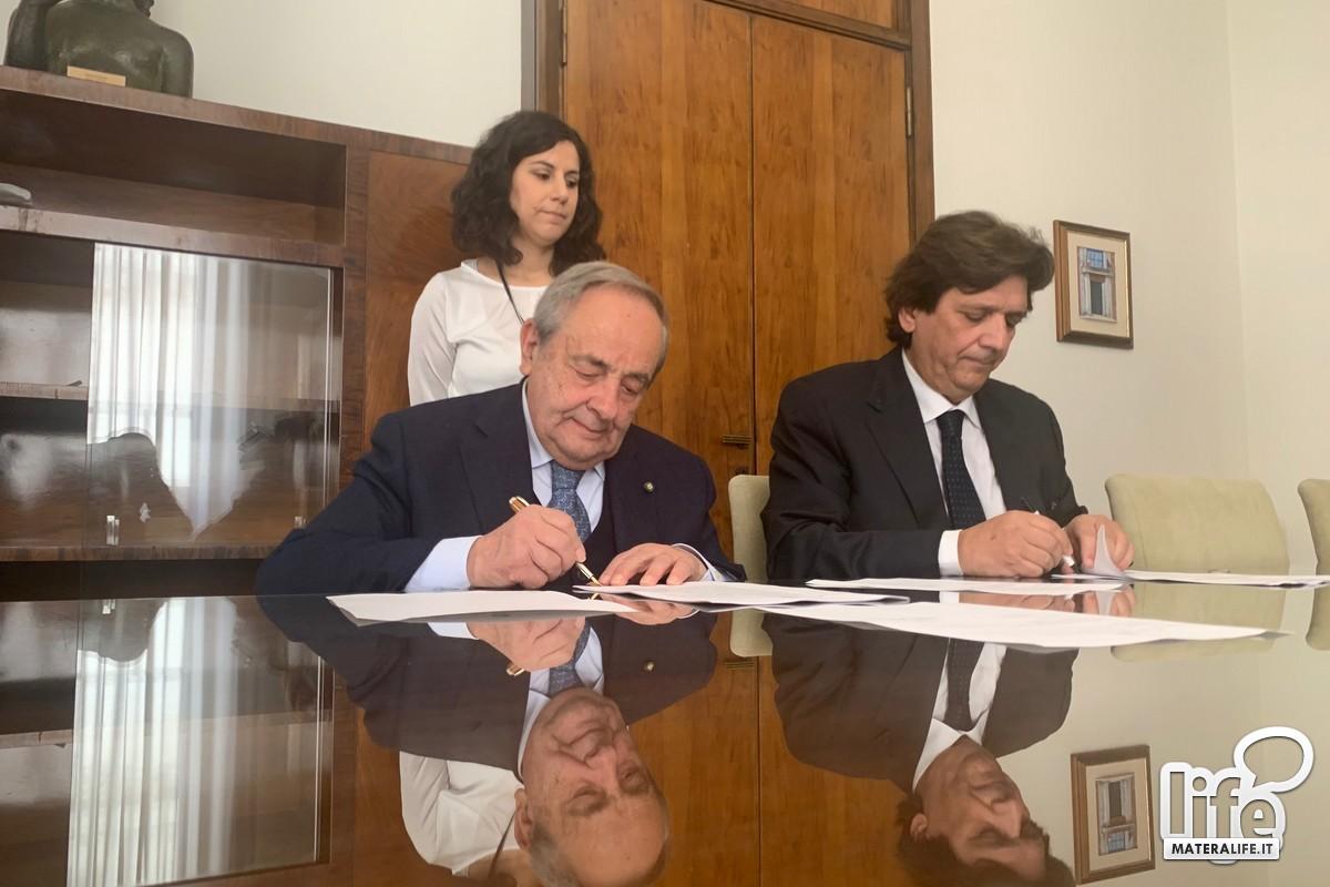 firma accordo Casa tecnologie emergenti