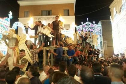 Festa della Bruna 2015, alle 23.30 lo strazzo del carro