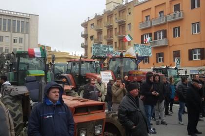 Imu agricola, la protesta degli agricoltori in piazza