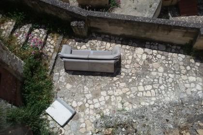 Degrado, un divano con vista Sassi