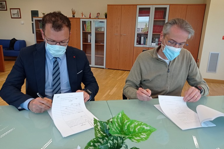 firma accordo Cesma (Angrisan)- Comune di Matera (Bennardi)