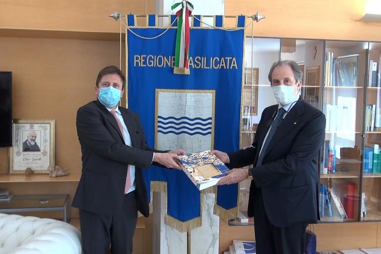 Vice ministro alla salute Sileri con il presidente Bardi
