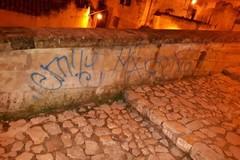 Vandalismo nei Sassi, De Ruggieri chiede maggiori controlli