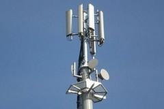 Riaccende l'antenna telefonica in via D'Errico