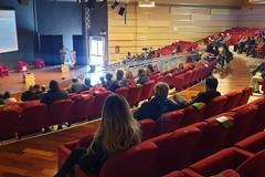 L'assemblea permanente dello spettacolo aspetta Bardi