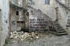 Atti vandalici nei Sassi, aumentare i controlli