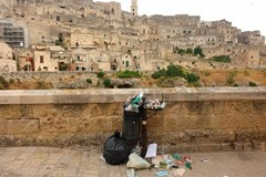 Degrado e sporcizia a Matera, Casino scrive al Prefetto e all'Asm