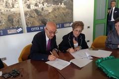 Firmato il protocollo d'intesa tra Comune e Caritas