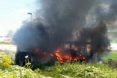 Autocarro in fumo a La Martella