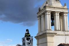 Fulmine su torre dell'orologio, verifiche dei vigili del fuoco
