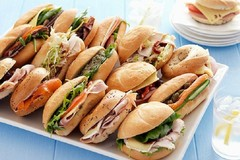 Troppe paninoteche ambulanti nei giorni della Bruna