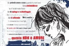 """Polizia in piazza per la """"Giornata internazionale contro la violenza sulle donne"""""""