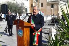 25 aprile, omaggio ai caduti. E il sindaco fa appello all'unità d'Italia