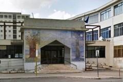 Scritte ingiuriose sui muri della Scuola Torraca