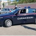 Ruba cellulare da auto in sosta all'ospedale, arrestato
