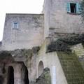 Casale abbandonato nei Sassi diventa residenza abusiva