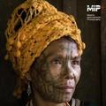 Le ultime donne tatuate del Myanmar in una mostra fotografica