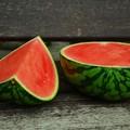 Tentano di pagare non in danaro ma in angurie e meloni