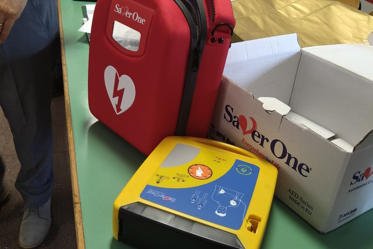 defibrillatore al liceo scientifico