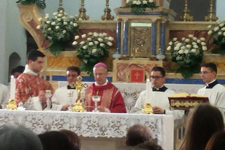 Un nuovo diacono ordinato da mons. Caiazzo  nella chiesa di S. Antonio di Pisticci