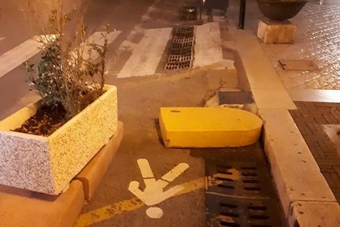 i report - blocco cemento su via disabili- matera
