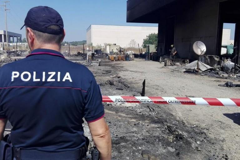 Incendio tragico, indagini della Polizia