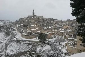 Emergenza neve, nuova giornata di passione