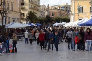 Turisti in giro per Matera