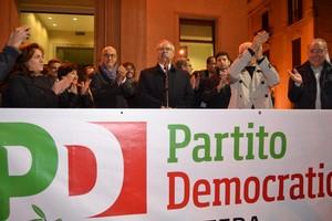 Il comizio di Guglielmo Epifani in piazza per il Pd