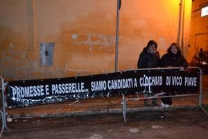 Residenti di vico Piave protestano
