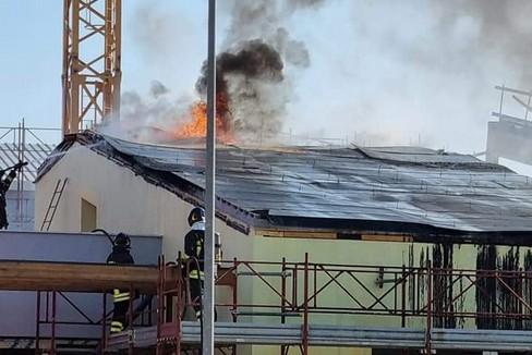 Incendio alla scuola Bramante