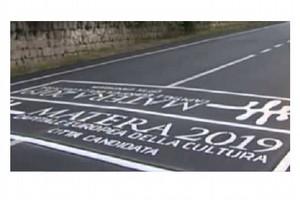 Strada con scritta Matera2019