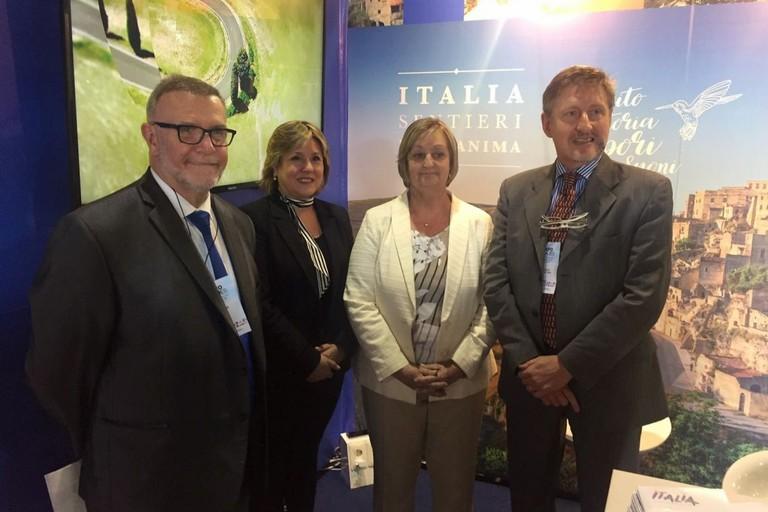 Liliam  Kechichian Ministra turismo Uruguay-stand Italia a expoviajes