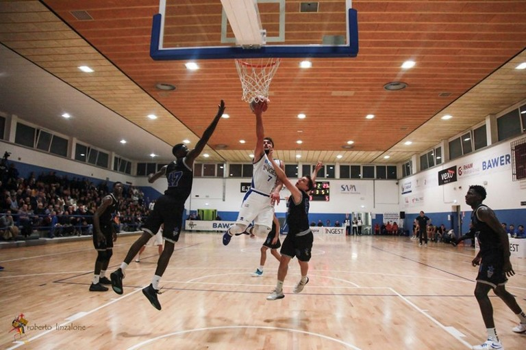 Olimpia Basket Matera  vs stella azzurra Roma. <span>Foto Roberto Linzalone</span>