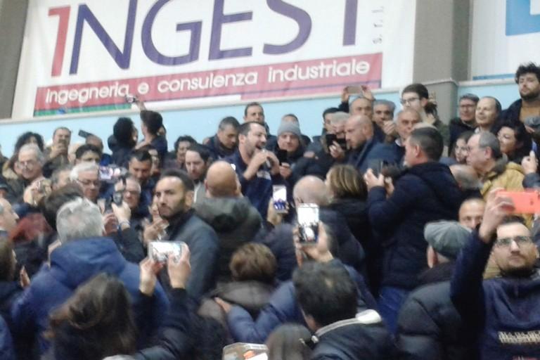 Salvini a Matera: parla nel pubblico