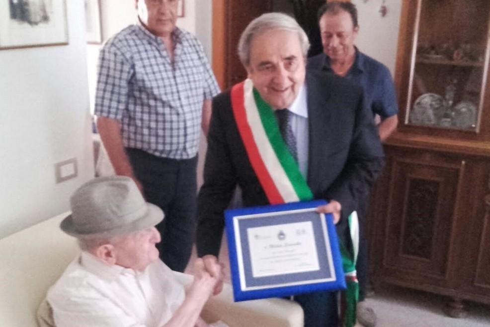 Sindaco De Ruggieri e il centenario materano Michele Scarciolla