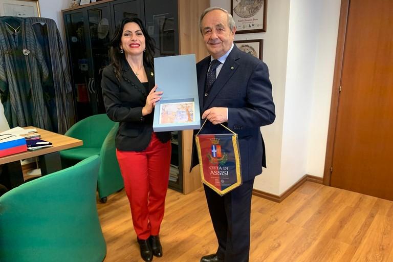 Stefania Proietti, sindaco Assisi con Raffaello De Ruggieri, sindaco Matera