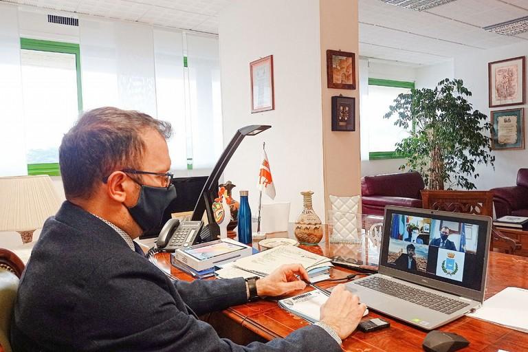 videoconferenza tra i sindaci di Firenze e Matera