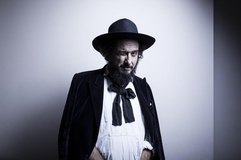 Vinicio Capossella (foto dal sito ufficiale)
